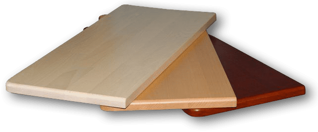 Parapety z drewnianym motywem
